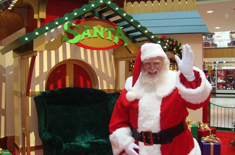Santa Claus Still Never Looked Better